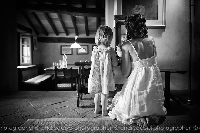 Intimate Wedding reportage in Cortona (Arezzo, Italy). Nigel & Vikki wedding. Andrea Corsi italian wedding photographer.