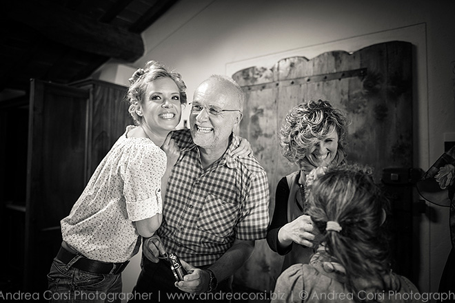 Elopement Wedding photographer in Val D'Orcia, Siena (Italy). Borgo Casabianca: Sabrina & Ian get married. Andrea Corsi italian wedding photographer.