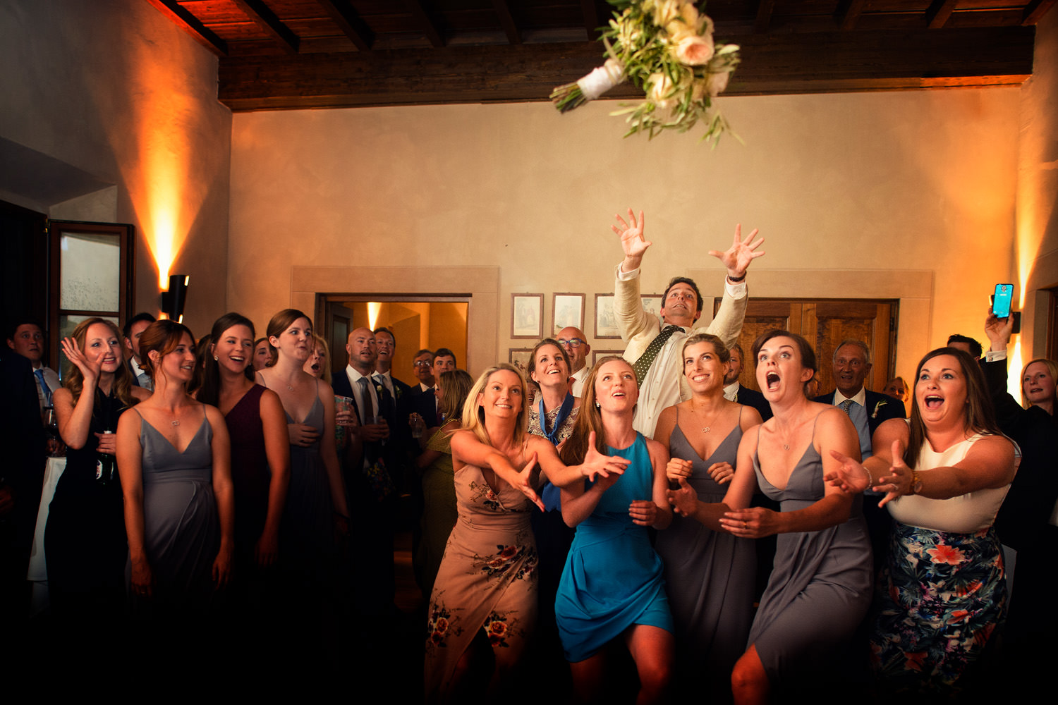 Funny Bouquet launch. Tuscan villa