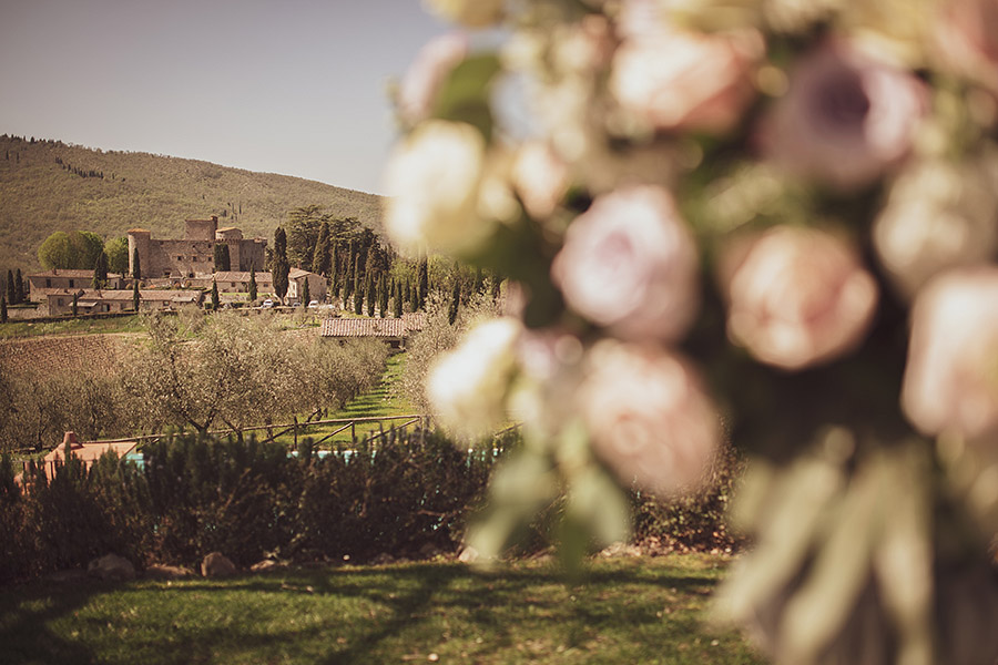Wedding photographer in Chianti. Meleto Castle. Glimpse of the Chianti countryside. Andrea Corsi wedding photographer in Tuscany