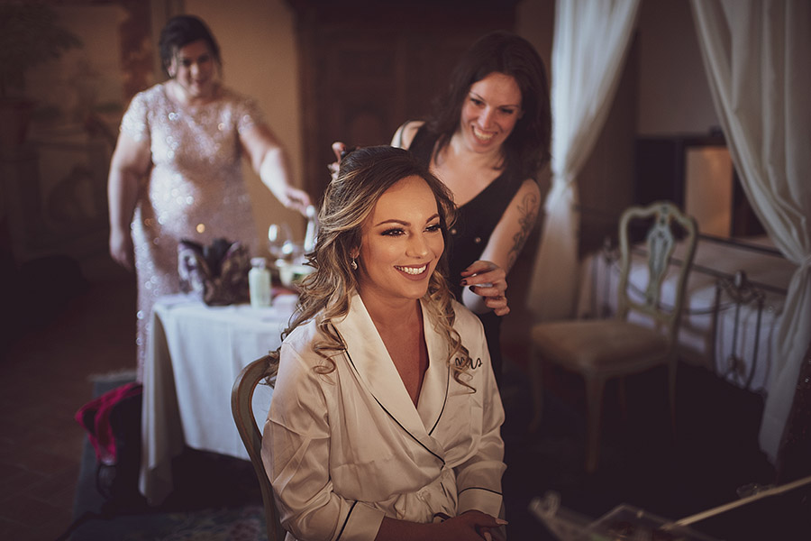 Awesome smiling bride, Meleto Castle wedding. Andrea Corsi photographer